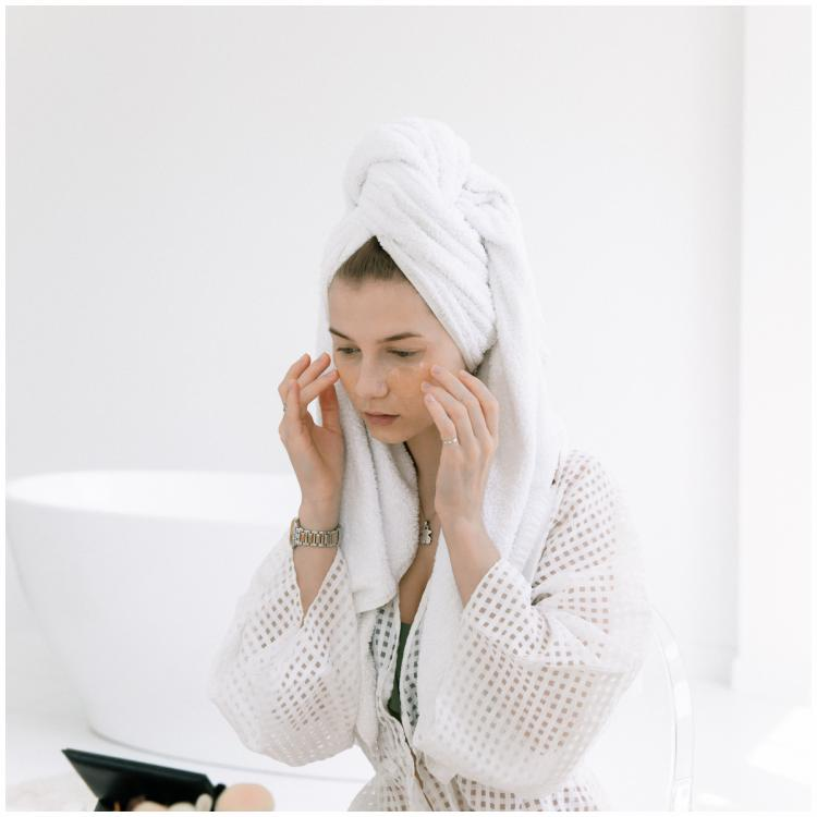 Tired of dealing with acne? Here are 7 products with over 4 star ratings to treat your acne