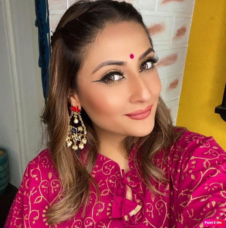 Urvashi Dholakia opens up about her love for taking selfies