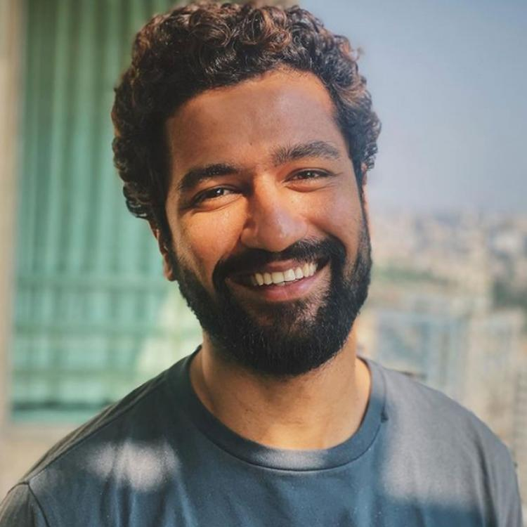 Vicky Kaushal tests negative for COVID 19; Confirms the news with a smiling pic