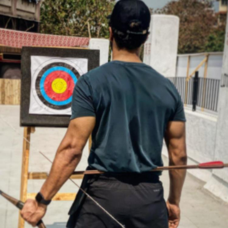 Vicky Kaushal shares a PIC of his hard work at his archery training: Siddhant Chaturvedi reacts to his triceps