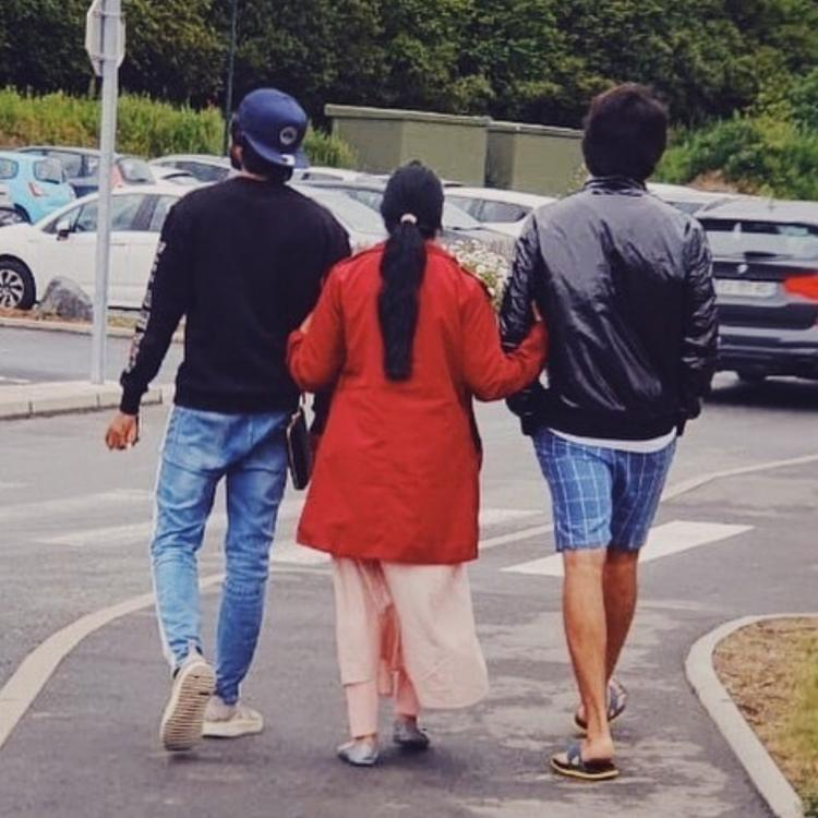 Vijay Deverakonda always puts his family first and this unseen latest PHOTO with brother & mother proves it