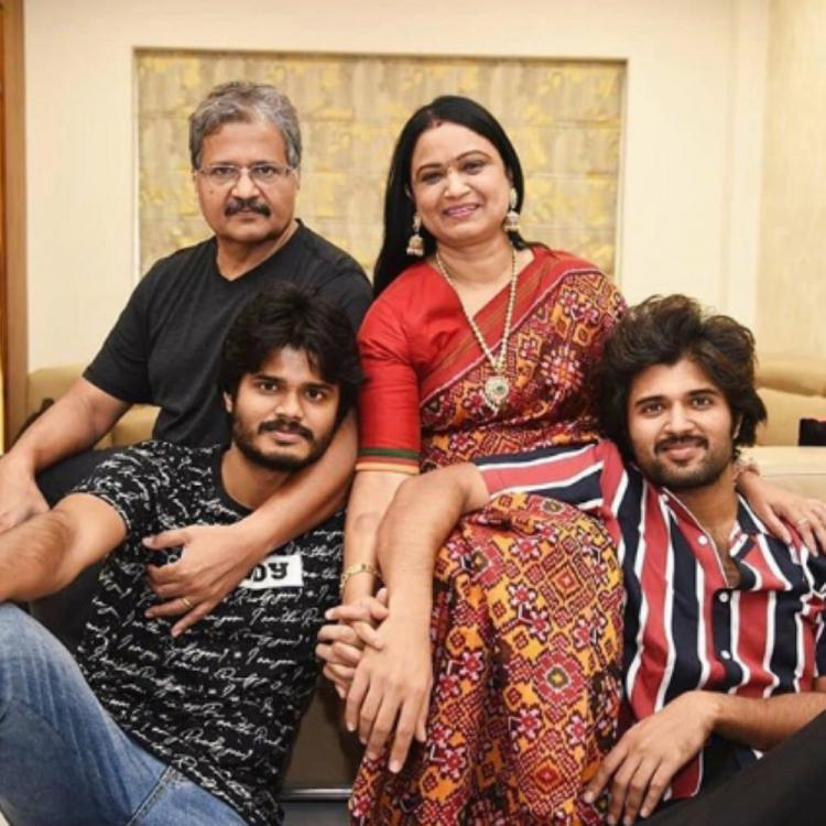 Vijay Deverakonda is a happy soul as he bonds with his brother Anand & parents in these throwback family PICS