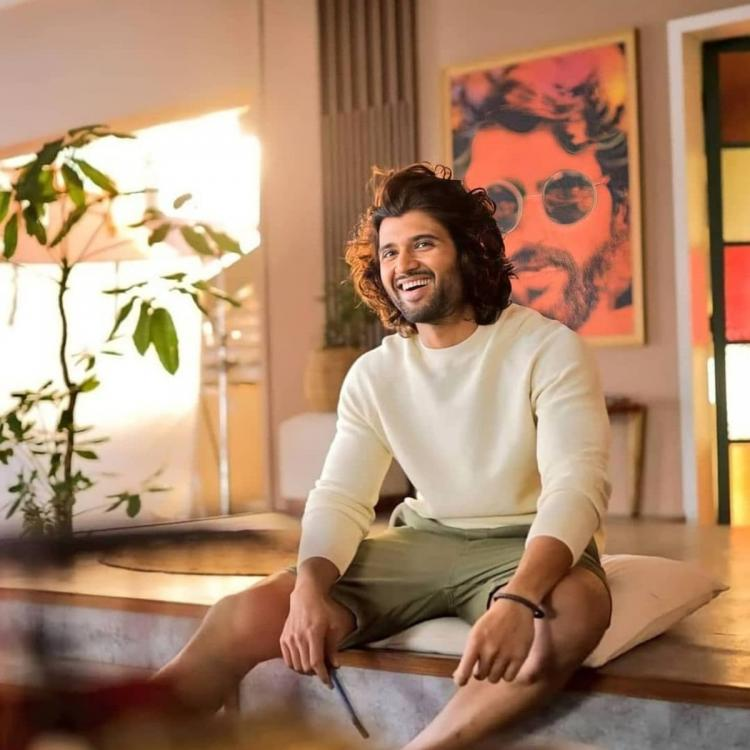 Vijay Deverakonda flaunts his million dollar smile in the latest PHOTO and we can't stop gushing over him