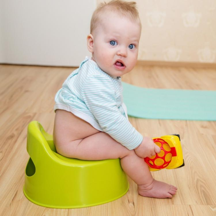Want to potty train your toddler in the right way? Follow THESE tips