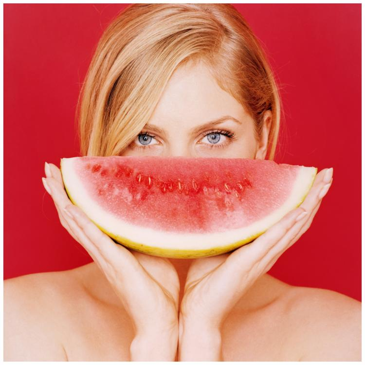 Easy DIY fruit face packs that are perfect to keep your skin nourished and soft for the summer