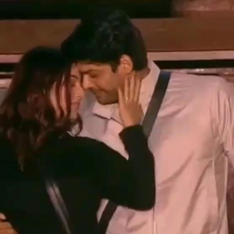 When Sidharth Shukla & Shehnaaz Gill's dance in Bigg Boss 13 became a laughing stock due to her antics; WATCH