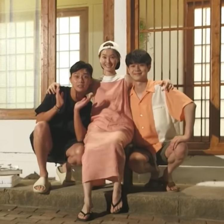 Wooga Squad members Park Seo Joon, Choi Woo Shik join Jung Yu Mi for a fun episode of 'Summer Vacation'