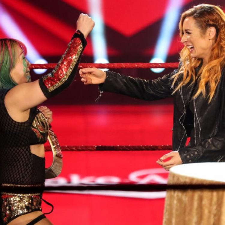 Seth Rollins and Becky Lynch will be welcoming their first child in 2020.