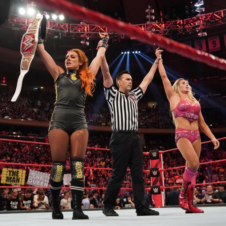 Becky Lynch, Charlotte Flair, Sasha Banks and Bayley delivered the match of the night, on WWE Raw, at Madison Square Garden.
