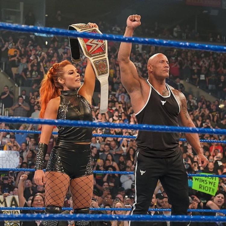 WWE SmackDown on FOX: The Rock returns & teams up with Becky Lynch to fend off Baron Corbin