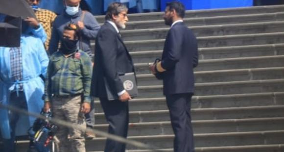 SPOTTED: Amitabh Bachchan and Ajay Devgn on sets of Mayday as latter's pilot avatar caught on camera - PINKVILLA