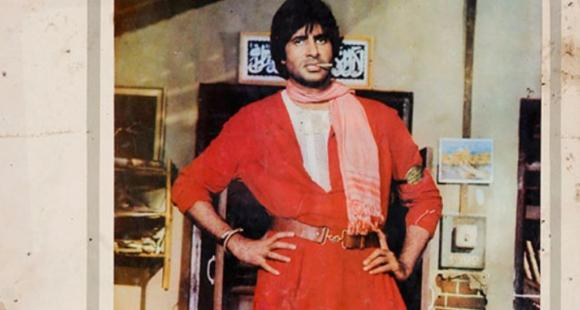 Amitabh Bachchan talks about the time he was in ICU post meeting with accident on sets of Coolie in his blog