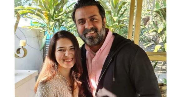 Harman Baweja gets engaged to wellness coach Sasha Ramchandani in Chandigarh, wishes pour in for the couple - PINKVILLA