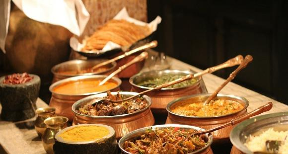 5 Indian cuisines you must try while travelling across the country