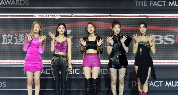 Mafia In The Morning MV: ITZY members pose as charismatic femme fatale in the new slick & stylish comeback - PINKVILLA
