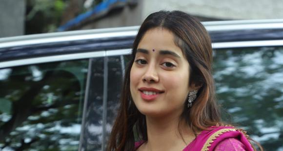Janhvi Kapoor on being compared to Priyanka Chopra in Dostana 2: Will try to match the standard she has set
