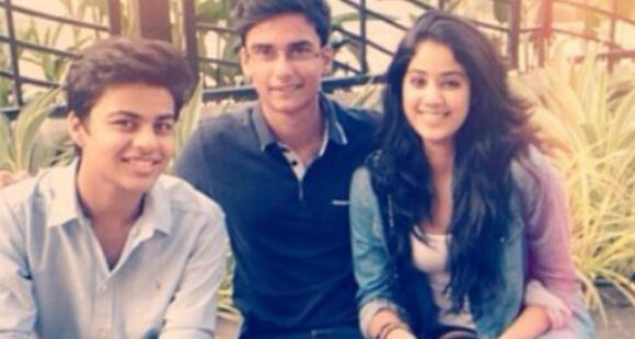 Janhvi Kapoor's rare throwback PHOTO with her friends prove she always had impeccable fashion sense