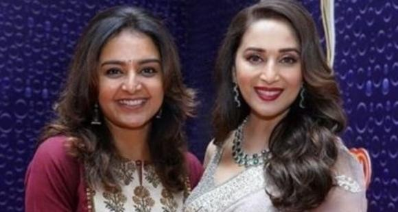 Manju Warrier shares an adorable fan girl moment with Madhuri Dixit; Check it out