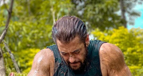 Salman Khan's mud soaked PHOTO is winning the internet as he pays his respect to all the farmers