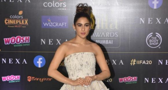 Sara Ali Khan reveals she does not want a big fat Indian wedding and we wonder what Saif Ali Khan has to say
