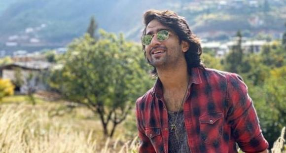 Shaheer Sheikh gets chatty with fans on Twitter, talks about most difficult scenes, time in quarantine & more thumbnail