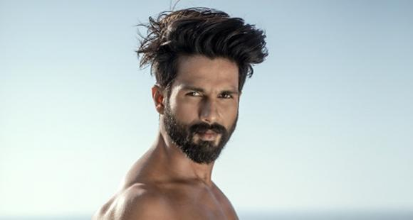 Shahid Kapoor is our man crush everyday as he goes shirtless in a throwback photo; Take a look thumbnail