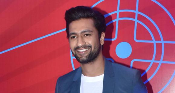 PHOTO: Vicky Kaushal dishes out major fitness goals as he shares an intense look of his 'midnight drill'