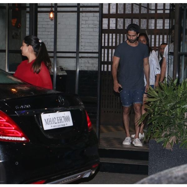 Image result for latest images of shahid kapoor and mira rajput last night dinner date