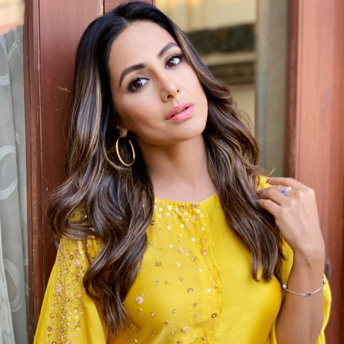 Hina Khan follows THESE beauty rules to keep her skin glowing