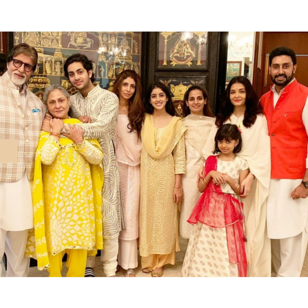 Jaya Bachchan's pictures with her family