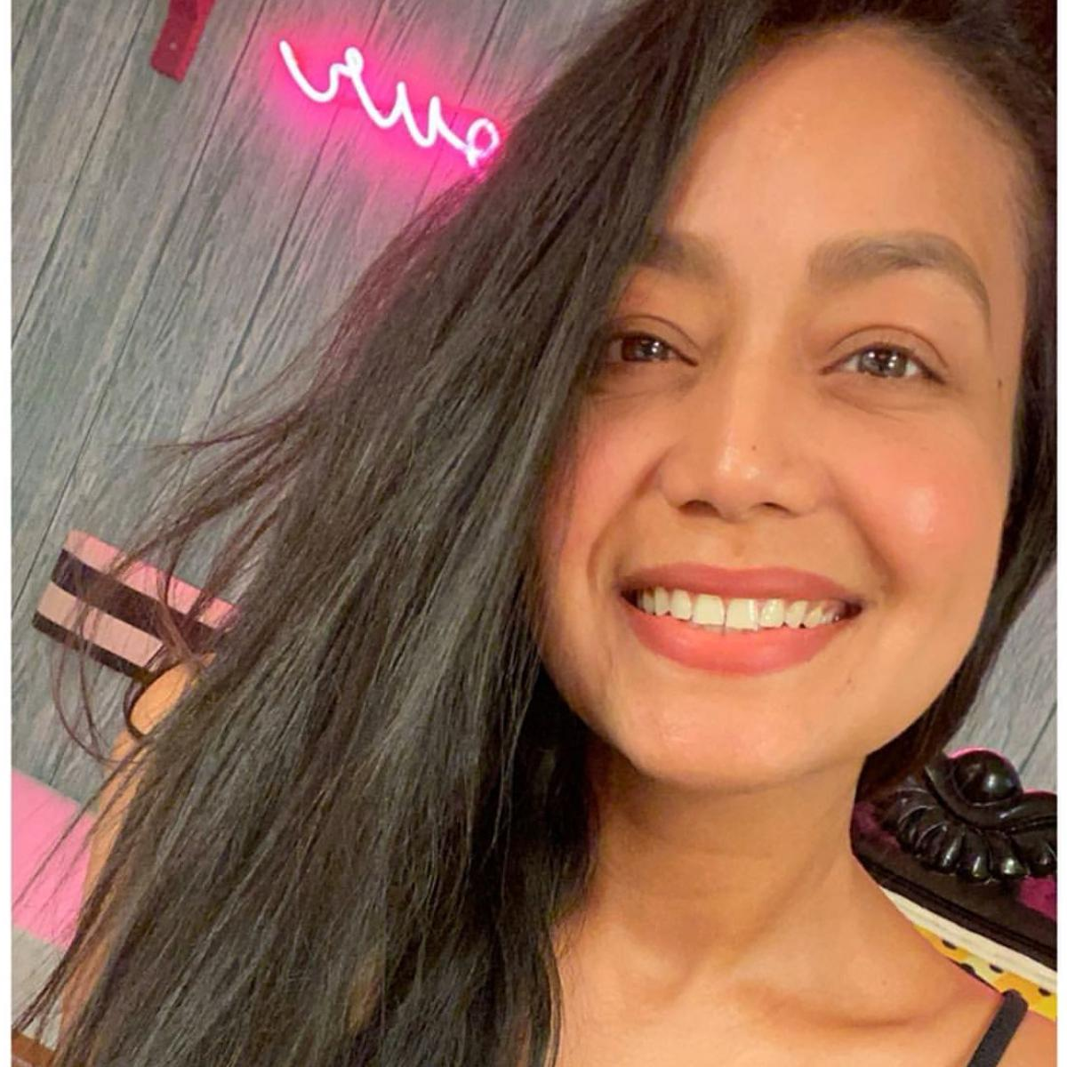 Photos Indian Idol 11 Judge Neha Kakkar Nails Her No Makeup Look To Perfection Check It Out