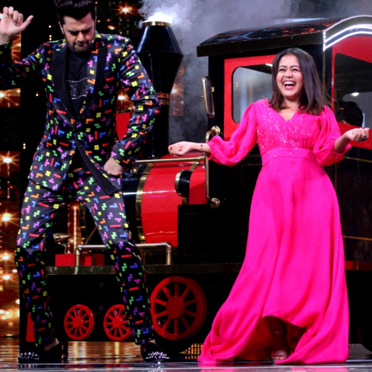 Photos Neha Kakkar Looks Pretty In Pink As She Shoots For A Reality Show Special Episode With Siblings