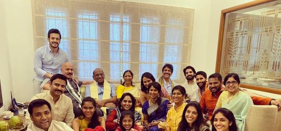 Akhil Akkineni shares a fam jam pic with Naga Chaitanya and others; Welcomes a new member to the family