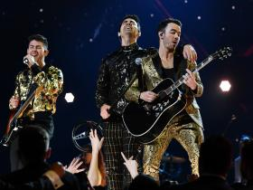 Nick Jonas,Joe Jonas,Kevin Jonas,Jonas Brothers,Hollywood,Happiness Begins