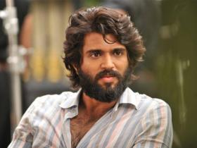arjun reddy,Vijay Deverakonda,South,Shalini Pandey