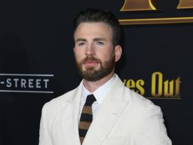 Chris Evans,Hollywood,Knives Out