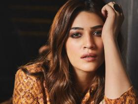 star kid,shocking,alia bhatt,Nepotism,starkids,Kriti Sanon,Exclusives,Ananya Panday,untold story,replacement,star daughter,film family,filmy background,replaced in films