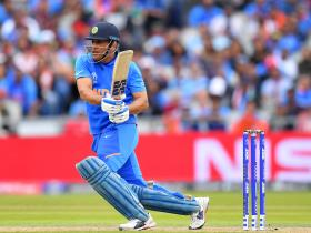 Mohammed Azhruddin wants MS Dhoni to bat in this manner before announcing retirement from international arena