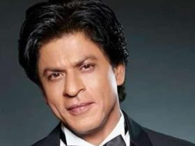 Shah Rukh Khan slammed for not contributing towards Covid 19 relief; Fans beg to STOP negativity against him