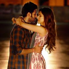 EXCLUSIVE Picture: Luka Chuppi song Duniyaa: Kartik Aaryan goes back in time with Kriti Sanon in Gwalior