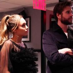 Photos: Miley Cyrus and beau Liam Hemsworth make for a sexy and cute couple in these candid clicks