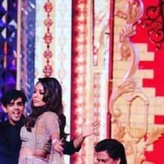 Move Over Ranveer Singh, Shah Rukh Khan proves he is the best husband with THIS comment on Gauri Khan's post