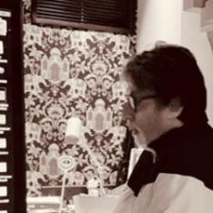 Amitabh Bachchan wishes to reinstall 2020 by deleting the 'virus' version & we totally agree to it; View POST