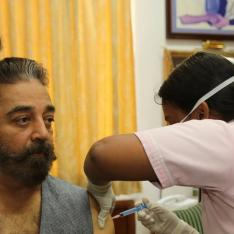 Kamal Haasan takes vaccination for COVID 19; Says it is important not only for self but for the society