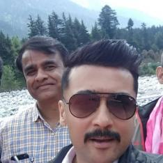 Kaappaan: Suriya is all smiles in his latest selfie; Check it out