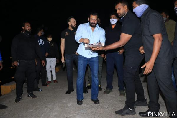 , PHOTOS: Salman Khan is all smiles as he cuts his birthday cake at Panvel farmhouse amid media glare, Indian & World Live Breaking News Coverage And Updates