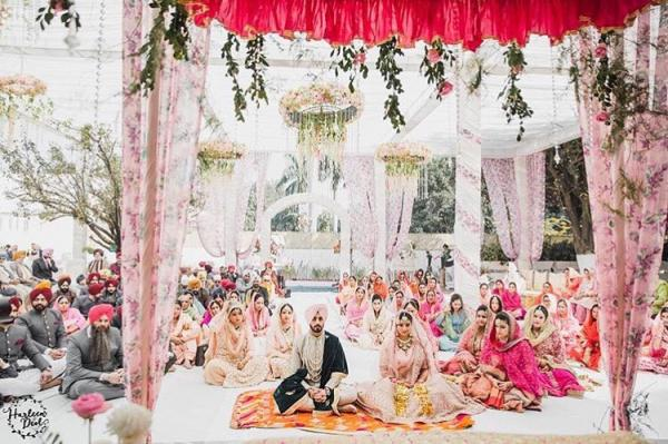 27 breathtaking and dreamy wedding decor ideas that will make you the anand karaj wedding ceremony is so serene and this white and blush pink decor set up is so on point for such a special event junglespirit Gallery