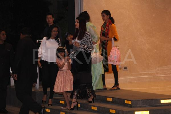 Aishwarya Rai Bachchan dines out with daughter Aaradhya