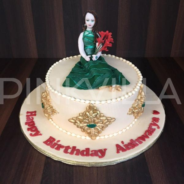 Aishwaryas Exquisite Birthday Cake Was Inspired By Her Cannes 2015