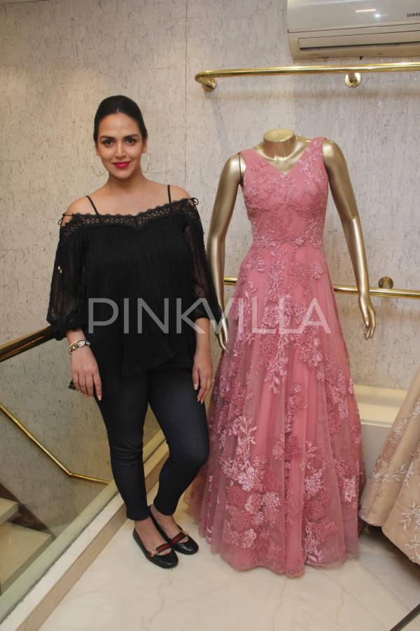 Photos Mom To Be Esha Deol Shops For Her Baby Shower